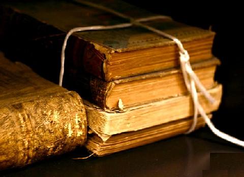 Old_books_tom_woodward.jpg